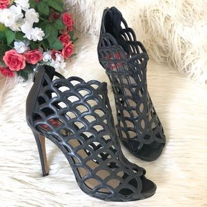 NWOB Vince Camuto Women's Cage Scallop Heels